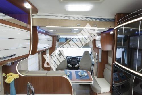Polointegrovaný obytný vůz Mobilvetta P 62 s garáží 150 PS  Klimatizace  Safety Pack č.5