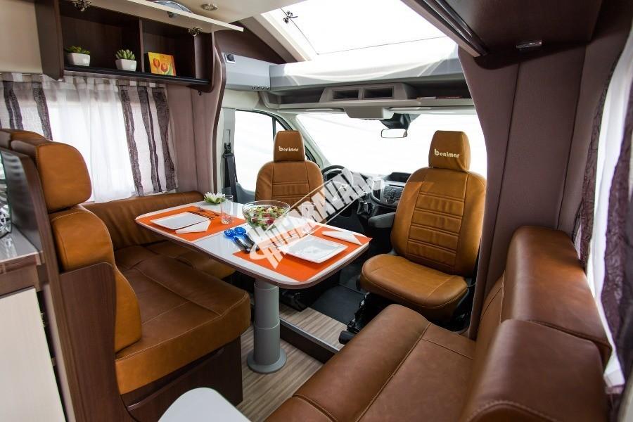 Kabina obytného karavanu Benimar Tessoro T463
