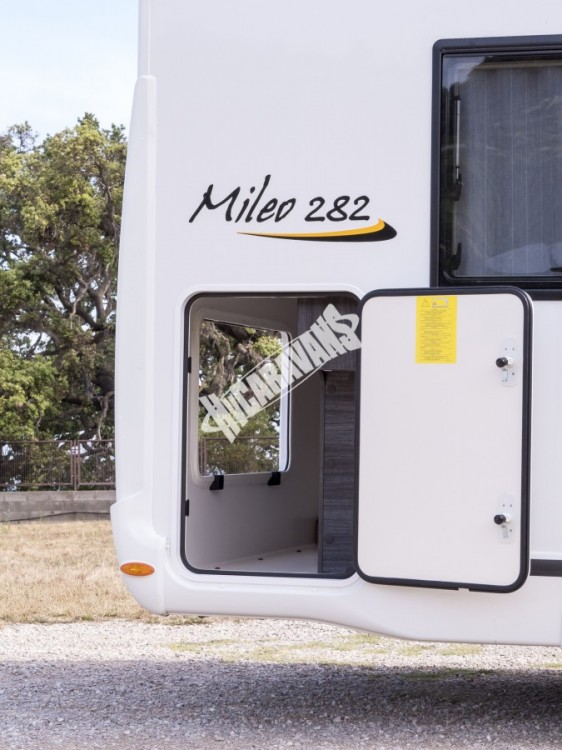 Obytný vůz  Benimar Mileo 282 - 150HP automat,nadstandadní výbava Northautokapp v ceně Rezervace č.25
