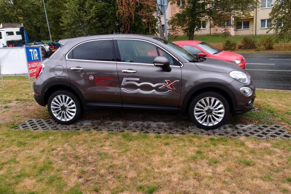 Fiat 500X 1.4 MultiAIR 140 k Lounge Předváděcí vůz najeto 4000 KM č.1