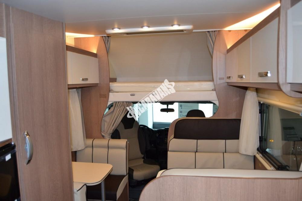 Obytný vůz GLAMYS 22. 7osob jízda/spani s alkovnou garáží 130 PS Klimatizace Safety Pack Alu kola č.5