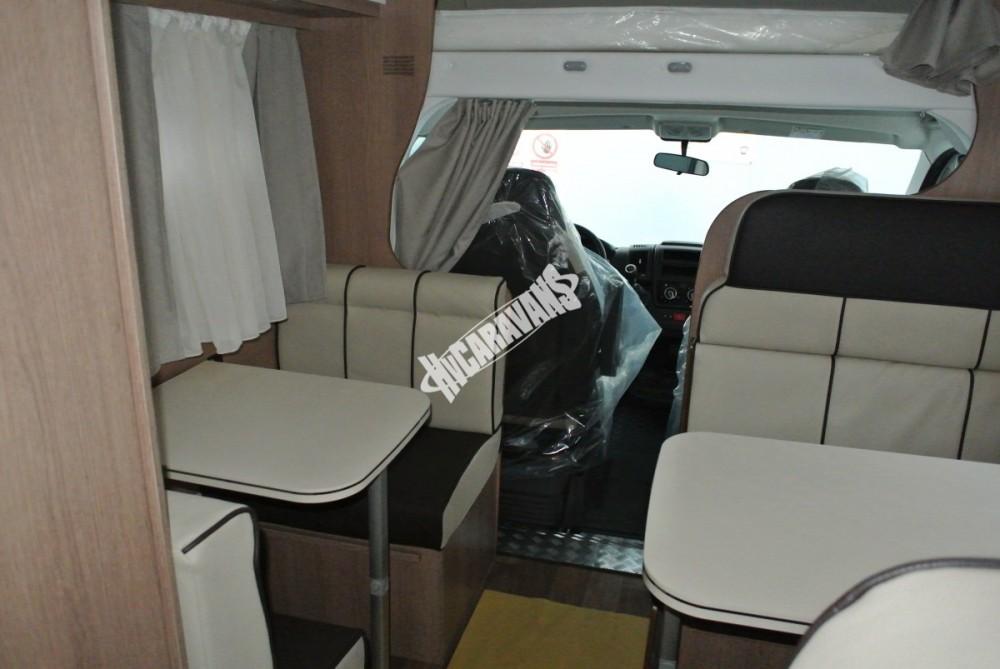 Obytný vůz GLAMYS 22. 7osob jízda/spani s alkovnou garáží 130 PS Klimatizace Safety Pack Alu kola č.10