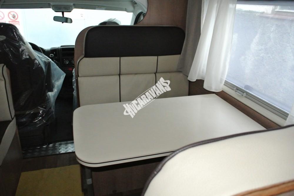 Obytný vůz GLAMYS 22. 7osob jízda/spani s alkovnou garáží 130 PS Klimatizace Safety Pack Alu kola č.11