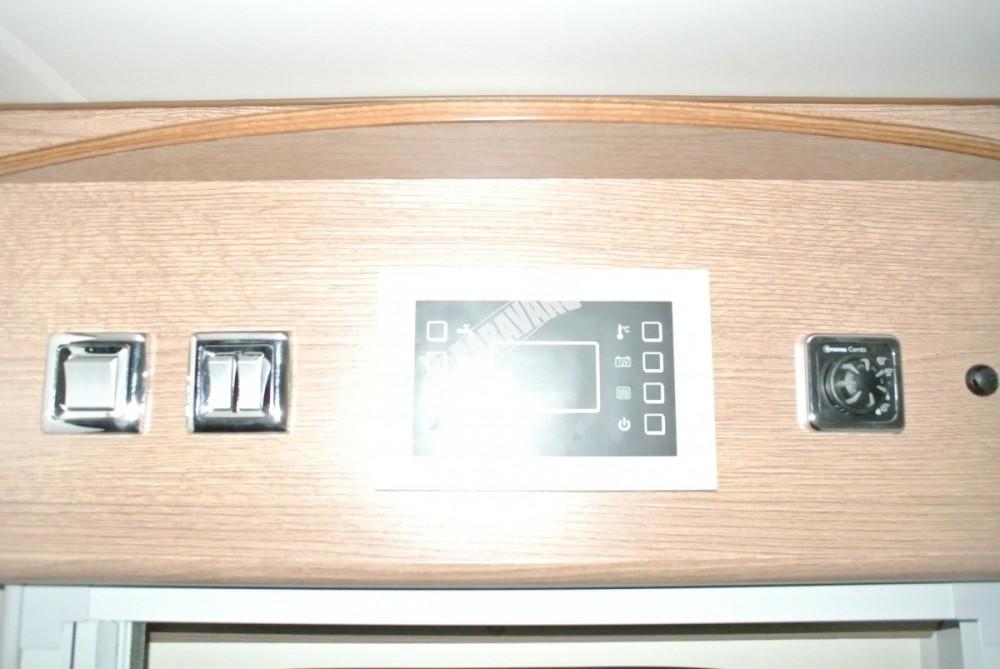 Obytný vůz GLAMYS 22. 7osob jízda/spani s alkovnou garáží 130 PS Klimatizace Safety Pack Alu kola č.16