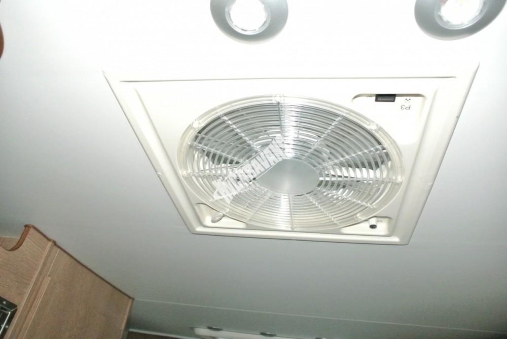 Obytný vůz GLAMYS 22. 7osob jízda/spani s alkovnou garáží 130 PS Klimatizace Safety Pack Alu kola č.22