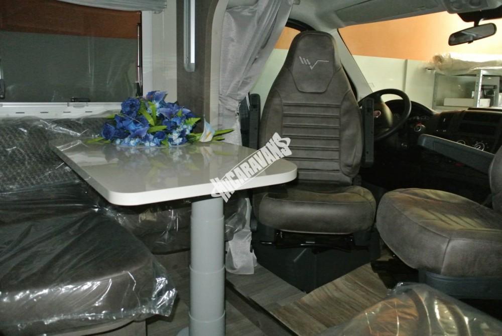 Polointegrovaný obytný vůz Mobilvetta K.Silver 56 model 2018 termín dodání skladem Mar Lázně č.11