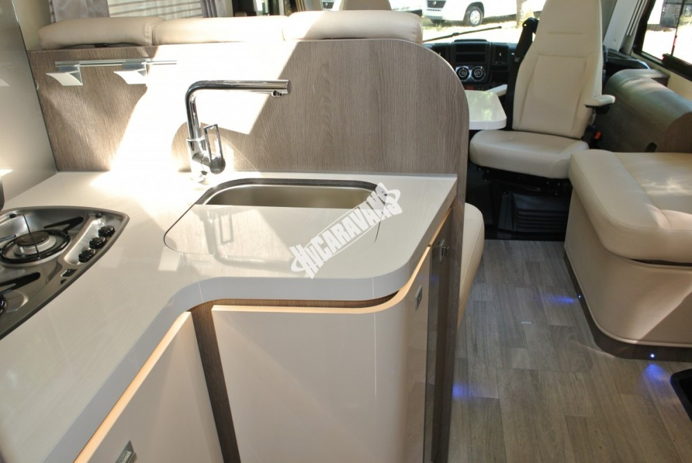Celointegrovaný obytný vůz Mobilvetta I.Silver 56 model 2018 skladem Mar-Lázně Rezervace č.47