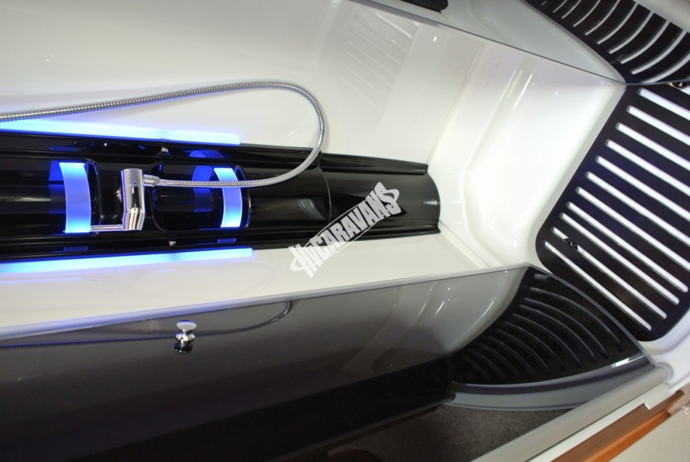 AUTOSTAR P 730 LJ poloitegrovaný FIAT 150 PS  model 2018 skladem Mar-Lázně č.39