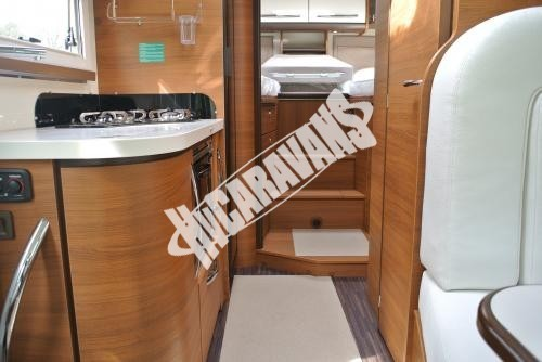 Celointegrovaný karavan Elnagh Magnum 29 s garáží 150 PS Prodáno !!! č.21